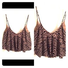 Cute crop top Cute Santa Fe print tan and black crop top gently used, no holes no tears, size small Tops Crop Tops