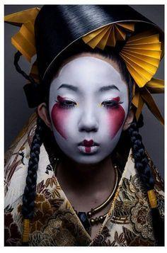Geisha Make-up, Geisha Kunst, Geisha Sushi, Fotografie Portraits, Portrait Photography, Fashion Photography, Photography Ideas, Photography Women, Body Photography