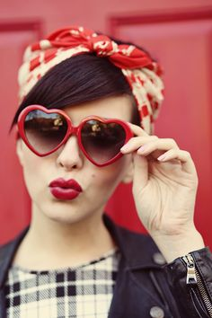 Heart Shaped Sunglasses:: Vintage Fashion:: Pin Up Girl Style:: Retro Sunglasses:: Vintage Style