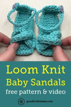 loom knitting We all fell in love with Granny T.'s loom knit baby sandals when we first saw them two years ago. And now a baby sandals video is available to go with the pattern. Round Loom Knitting, Loom Knitting Stitches, Bamboo Knitting Needles, Loom Knitting Projects, Easy Knitting Patterns, Baby Knitting, Loom Patterns, Knifty Knitter, Yarn Projects