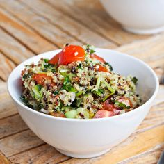 Quinoa with Fresh Veggies and a Lemon Pesto Sauce - avocadopesto