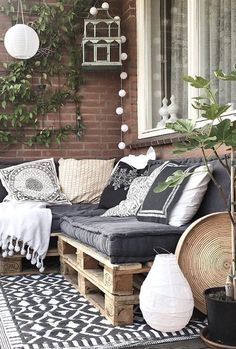 20 Living Decorating Ideas For Small Balcony 2019 - Page 19 of 19 - belikeanactress. com Garden Garden apartment Garden ideas Garden small Small Balcony Decor, Outdoor Balcony, Small Patio, Small Balcony Furniture, Small Balcony Design, Balcony Gardening, Ideas Terraza, Rustic Outdoor Decor, Apartment Balcony Decorating