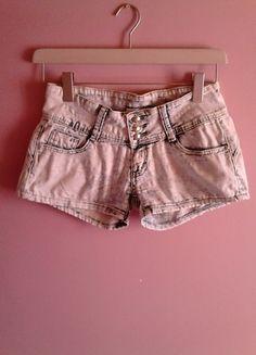 Kup mój przedmiot na #vintedpl http://www.vinted.pl/damska-odziez/szorty-rybaczki/9983197-spodenki-jeansowe-push-up