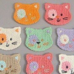 Kitty crochet - use cotton yarn, make them a little larger and they become a child's washcloth! Kitty crochet - use cotton yarn, make them a little larger and they become a child's washcloth! Gato Crochet, Crochet Mignon, Crochet Amigurumi, Love Crochet, Crochet Yarn, Crochet Toys, Crochet Flowers, Washcloth Crochet, Crochet Geek