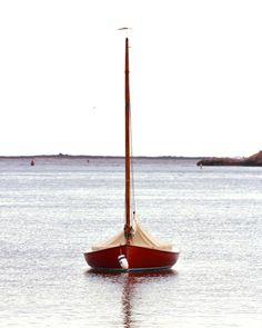 Westport Harbor __________ #littleredsailboat #nikond7100 #coastal #sailing (at Westport, Massachusetts)