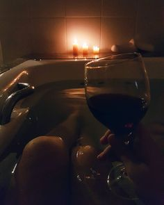 Ever dreamt of taking a bath in red wine? Soak in a tub of concentrated red wine, full of skin-enriching antioxi. Night Aesthetic, Aesthetic Photo, Aesthetic Pictures, Relaxing Bath, Insta Photo Ideas, Foto Pose, Pretty Eyes, Couple Pictures, Girl Photos