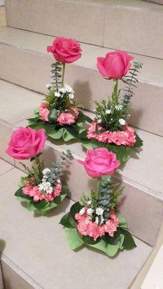 on Arreglos de flores Valentine Flower Arrangements, Church Flower Arrangements, Rose Arrangements, Valentines Flowers, Beautiful Flower Arrangements, Beautiful Flowers, Fresh Flowers, Centerpiece Decorations, Floral Centerpieces