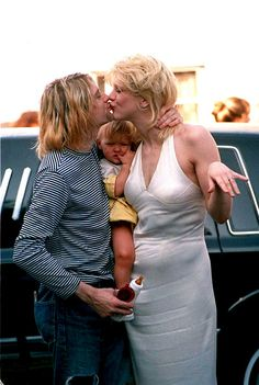 kurt cobain with courtney love & frances bean