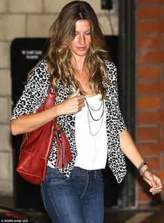 perfect hair   perfect waves   long wavy dark blonde hair with balayage highlights   honey colored hair blondish-brown   brunette   blonde   gisele bundchen