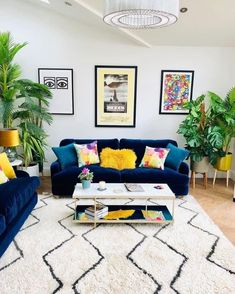 Funky Living Rooms, Blue Living Room Decor, Colourful Living Room, Living Room Color Schemes, Living Room Designs, Yellow Living Room Furniture, Funky Bedroom, Blue Velvet Sofa Living Room, Blue And Yellow Living Room