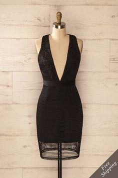"""""""La peur n'est pas un mot qui figure dans mon vocabulaire"""", dit-elle avec assurance. """"Fear is not a word in my vocabulary"""", she said confidently. Black mesh and lace low-cut dress www.1861.ca"""