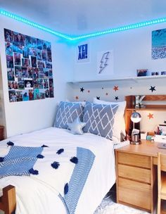 See more of kcoll's content on VSCO. Dorm Room Designs, Room Design Bedroom, Room Ideas Bedroom, Bedroom Inspo, Teen Bedroom Furniture, Cool Dorm Rooms, Bedroom Decor For Teen Girls, Blue Teen Rooms, Blue Bedrooms