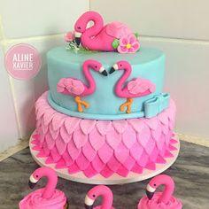 My Best Partys: Flamingo cake - flamingo cake models Hawaiian Birthday Cakes, Baby Birthday Cakes, Hawaiian Party Cake, 7th Birthday, Fondant Cakes, Cupcake Cakes, Flamingo Cupcakes, Cake Models, Flamingo Birthday