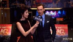 Tom Hiddleston attends the premiere of Kong:Skull Island in Beijing, China on March 16, 2017. Vídeo: http://maryxglz.tumblr.com/post/158474868392/lolawashere-tom-hiddleston-attends-the-premiere & Video: http://maryxglz.tumblr.com/post/158474833922/lolawashere-tom-hiddleston-striking-a-pose-at-the