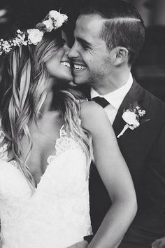 Home » Wedding Photography » 20+ Heart-melting Wedding Kiss Photo Ideas » Bride and Groom kiss photo at the wedding day