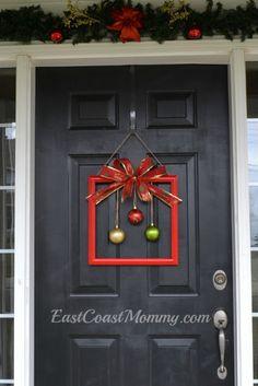East Coast Mommy: Dollar Store Christmas Wreath Alternative