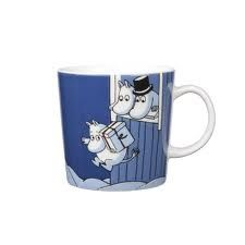 Moomin Mug Winter 2009 Christmas Surprise Arabia Moomin Mugs, Fuzzy Felt, Tove Jansson, Dark Blue Background, Tea Cozy, Christmas Mugs, Marimekko, Ceramic Cups, My Ride