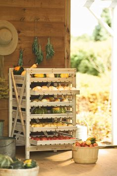 If I had a big kitchen - I would get one of these!  Air circulation is the key to keeping onions fresh.. and sweet potatoes.. and hard squash..  Orchard Rack, 6 Drawer