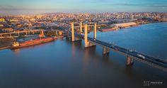 Vista da Ponte Getúlio Vargas também conhecida como Ponte do Guaíba com a cidade de Porto Alegre ao fundo. . Conheça nosso banco de imagens de Porto Alegre em Preview.is | Agência Preview . #poa #portoalegre #poars #bah #curtopoa #agenciapreview #drone #dji #rs #instapoa #igerspoa #doleitorzh #lovepoa #artofvisuals #instagramhub #worldbestgram#turismoemPoA #turismonosul #portoalegrelovers #portoalegreoficial #capitalgaucha #pontedoguaiba #guaiba #rioguaiba