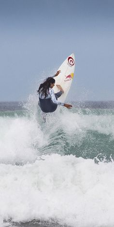 21 year old Teresa Bonvalot has just joined the Rip Curl Europe team. Watch Teresa ripping in the new video now playing on the SurfGirl website. Photo Hugo Silva Hugo Silva, Hang Ten, 21 Years Old, Surf Girls, Rip Curl, Our World, Water Sports, Surfboard, Surfing