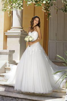 1c2d582b59 A(z) Hercegnős Esküvői Ruhák nevű tábla 13 legjobb képe | Dream ...