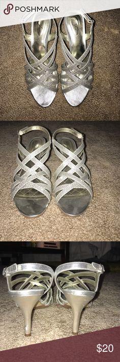 Sparkly heels Sparkly heels. Almost new. Alfani Shoes Heels