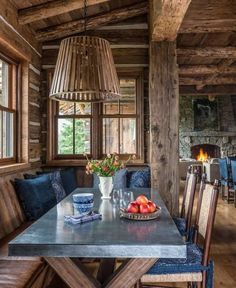 Breathtaking rustic mountain home in Big Sky: Ansel Haus Cabin Homes, Log Homes, Rustic French Country, Modern Rustic, Rustic Chic, Modern Farmhouse, Log Cabin Living, Decoration Bedroom, Luxury Cabin