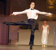 """The Big Waltz"" ""New Georgian Ballet of Tamaz Meri Vashakidze.     Александр Смольянинов.    http://sakartvelo-ballet.ru/"