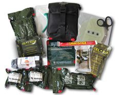 TRUMA KIT How to build a trauma response kit. Survival Prepping, Emergency Preparedness, Survival Gear, Swat, Emergency Medical Kit, Tactical Medic, Army Gears, Disaster Plan, 72 Hour Kits