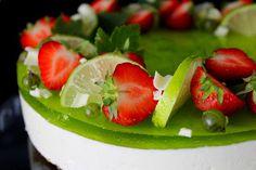 Kakkuviikarin vispailuja!: Lime curd- juustokakku Cheesecakes, Fruit Salad, Panna Cotta, Lime, Strawberry, Pudding, Cupcakes, Baking, Ethnic Recipes