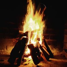 Lekker Namibian Hardwood #FTW #PutFootRally #Namibia #OnsGaanNouBraai #Fire #Flames