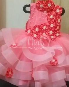 Pretty Dresses For Kids, African Dresses For Kids, Girls Dresses, Birthday Frocks, Christ Quotes, Baby Girl Dress Patterns, Designer Baby, Baby Design, Kids Wear