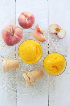Σπιτικο Παγωτο Ροδακινο   Cool Artisan Peach, Yummy Food, Fruit, Vegetables, Sweet, Recipes, Candy, Delicious Food, Peaches