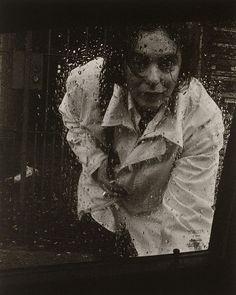 """Se você sonha em ver de perto o trabalho dos maiores fotógrafos dos último 100 anos a exposição que estreia hoje @nafaap em São Paulo vai te conquistar. """"Retrato - Território da Fotografia"""" vai reunir cliques de nomes importantes como @bobwolfenson #PierreVerger @mariotestino e #KlausMitteldorf. Serão mais de 130 imagens reunidas. Imperdível! #exposição #BobWolfenson #MarioTestino  via MARIE CLAIRE BRASIL MAGAZINE OFFICIAL INSTAGRAM - Celebrity  Fashion  Haute Couture  Advertising  Culture…"""