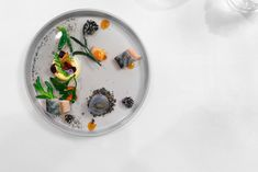 La-Vie-Germany-Marinated-mackerel-passion-fruit-and-black-sesame-ice-cream.jpg 1,600×1,067 pixels