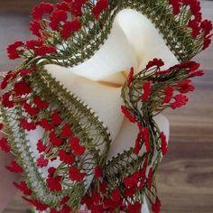Ayşegül Hanım'ın Şahane Tığ İşi Oya Modelleri Bead Crochet, Irish Crochet, Crochet Motif, Crochet Stitches, Crochet Borders, Crochet Flower Patterns, Crochet Flowers, Dulhan Mehndi Designs, Point Lace