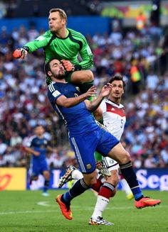 Manuel Neuer, Germany (FC Schalke 04, Bayern München, Germany) / Gonzalo Higuain of Argentina and Manuel Neuer of Germany collide...