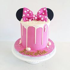 Mini Mouse Birthday Cake, Birthday Drip Cake, Mini Mouse Cake, Minnie Mouse First Birthday, Birthday Cake Girls, Mickey Birthday, Birthday Ideas, Mickey Cakes, Mickey Mouse Cupcakes