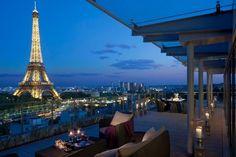 Hotel Shangri-la Paris: Do terraço do hotel Shangri-La, em Paris, é possível ver a torre Eiffel e boa parte da capital francesa. Para reservas, acesse: www.shangri-la.com/paris