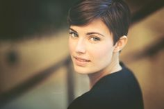 Pixie for Oval Faces Best Pixie Cuts, Short Hair Cuts, Short Hair Styles, Very Short Haircuts, Short Hairstyles For Women, Straight Hairstyles, Pixie Hairstyles, Cool Hairstyles, 2015 Hairstyles