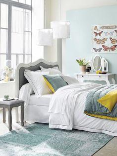 Dormitorio-en-gris-amarillo-y-azul