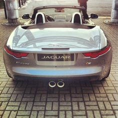 Jaguar F-Type: there's a behind I can get behind!
