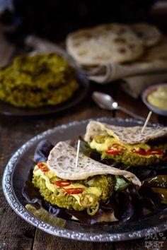Burger Indian Style: Schneller Naan Burger mit Erbsenpatty - Indian Nann Burger Ina Is(s)t