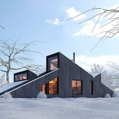 3D winter cabin house available for download on TurboSquid