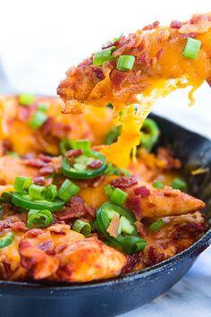 Texas Chicken Nachos - Serves 6 - Calories: 359 Fat: 21g Net Carbs: 1g Protein: 40g