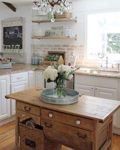 60 amazing and stylish farmhouse kitchen décor ideas (46)
