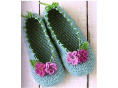 Slippers - Crochet Flowers and Applications