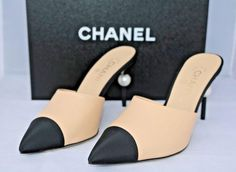 461551a2ceef8 Chanel Beige Runway Black Leather Heels Pearl 39.5 Mules Slides Size US 9.5  Regular (M