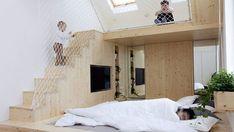 Interiér je zajímavou inspirací pro rodiny s dětmi, které bydlí v bytech s vysokými stropy.