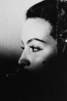 """"""" María Félix, photographed by Manuel Álvarez Bravo, 1946. """""""